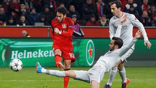 Un Atlético irreconocible cae ante el Bayer Leverkusen