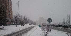 Quitanieves en Avenida Navarra hacia Hospitales y Clínica UN Navarrainformacion.es