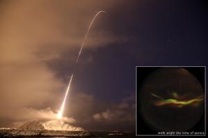 Cohete aurora boreal. http://earthobservatory.nasa.gov/IOTD/view.php?id=48340