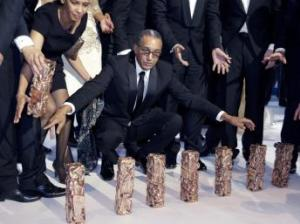 El director Abderrahmane Sissako posa con los siete César obtenidos.