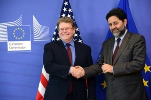 La UE y EE.UU. intensifican las negociaciones para el acuerdo de libre comercio