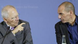 l ministro de Finanzas alemán, junto a su homólogo griego, Yanis Varoufakis, durante la rueda de prensa conjunta que han realizado en Berlín tras su primera reunión. DR