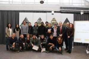 García Malo y Maya, con los alumnos de la Escuela Taller de Agricultura.