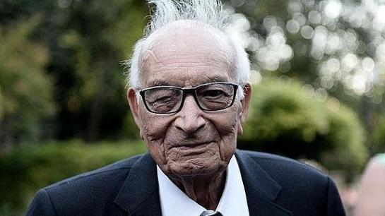 Muere el escritor turco Yasar Kemal a los 92 años