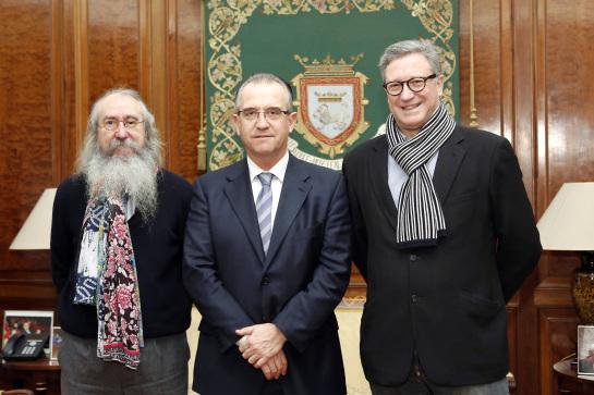 El alcalde de Pamplona recibe al nuevo presidente del Ateneo Navarro