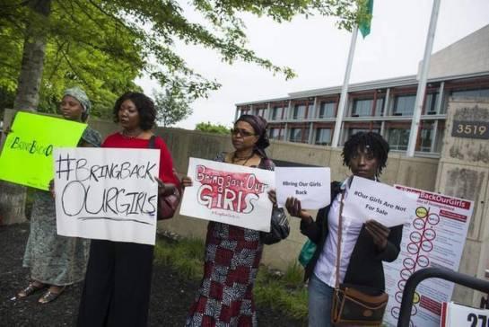El presidente de Nigeria afirma que las 200 niñas secuestradas por Boko Haram en Chibok siguen vivas