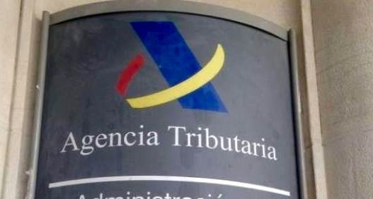 Hacienda analiza una lista de españoles con cuentas en Suiza enviada por Alemania