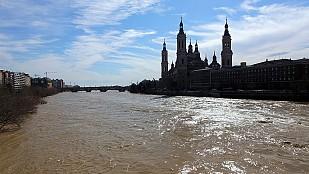 La crecida del Ebro alcanza la Ribera Baja aunque sin nuevos desalojos