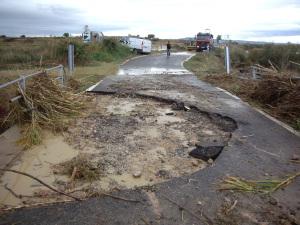 Vista de los daños ocasionados por las lluvias en la NA-5390, pk 5.