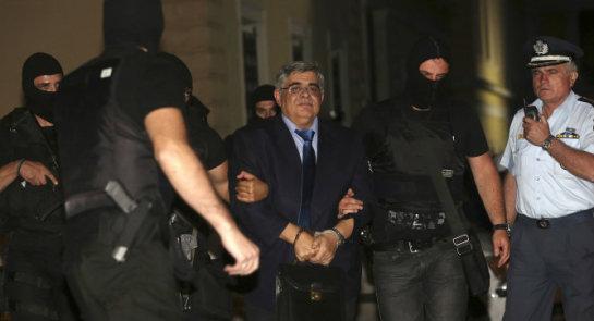 El líder del partido neonazi griego Amanecer Dorado sale de prisión