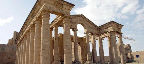 Irak denuncia que Estado Islámico ha destrozado Hatra, otra ciudad milenaria