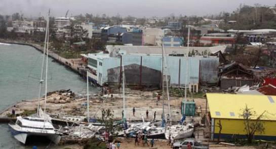 Vanuatu decreta el estado de emergencia tras el paso del ciclón Pam, que deja ocho muertos