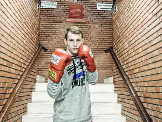 El navarro de adopción, Sukhanov, debutará como boxeador profesional en Bilbao
