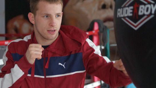 El pamplonica de adopción Artem Sukhanov encara su confirmación como boxeador profesional