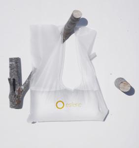 Una empresa española patenta una bolsa que ahorra tres litros de agua en cada ducha