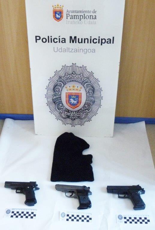 La Policía Municipal detiene a un joven al atracar un supermercado en Pamplona