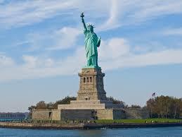 Reabre la Estatua de la Libertad tras amenaza de bomba que la mantuvo cerrada
