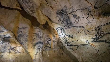 """Francia abre al público la reproducción de la cueva de Chauvet, la otra """"catedral"""" del arte rupestre"""