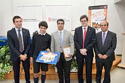 Un alumno del colegio Miravalles-El Redin gana la fase navarra del concurso ¿Qué es un Rey para ti?