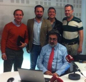 Izda a dcha. Carlos Cuesta, Santiago Abascal (VOX) Balcarce y Asís Timermans