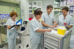 Se convocan plazas paralizadas de auxiliar, matrona y técnico de radiodiagnóstico en Navarra