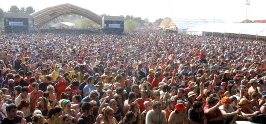 Más de 200.000 personas van a disfrutar del Viña Rock (Albacete) y su impacto económico rondaría los 18 millones de euros