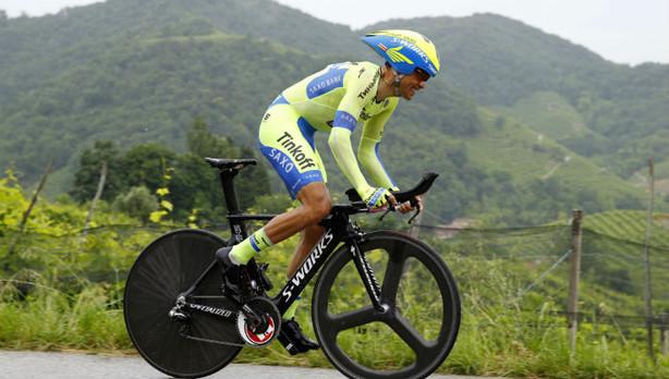 Contador se exhibe en la contrarreloj y recupera la «maglia» rosa del Giro