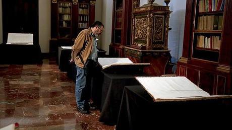 El Museo Arqueológico expone una edición original de la «Descripción de Egipto»