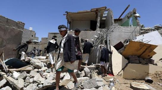 Los bombardeos en Yemen dejan casi un centenar de muertos antes del inicio del alto el fuego