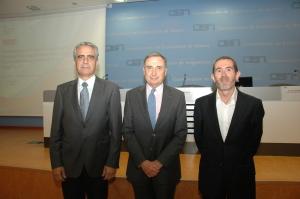 De izda a dcha. Roberto Elizalde, José Antonio Sarría y Ion Gorriti