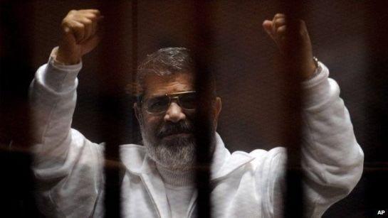 La justicia egipcia anula la condena a muerte del expresidente Morsi