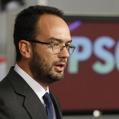 El PSOE denuncia ante la Fiscalía General del Estado a Fernández Díaz por su reunión con Rato
