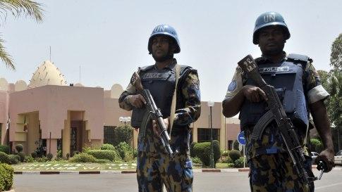 La toma de rehenes en un hotel de Malí acaba con al menos 12 muertos