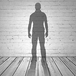 Hombre, de 53 años, soltero, español rasgos de las personas que se suicidan en Navarra