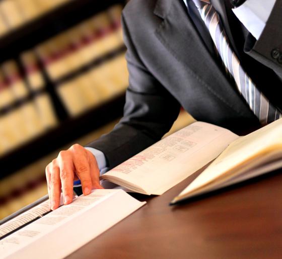 ¿Cómo elegir correctamente a un abogado?