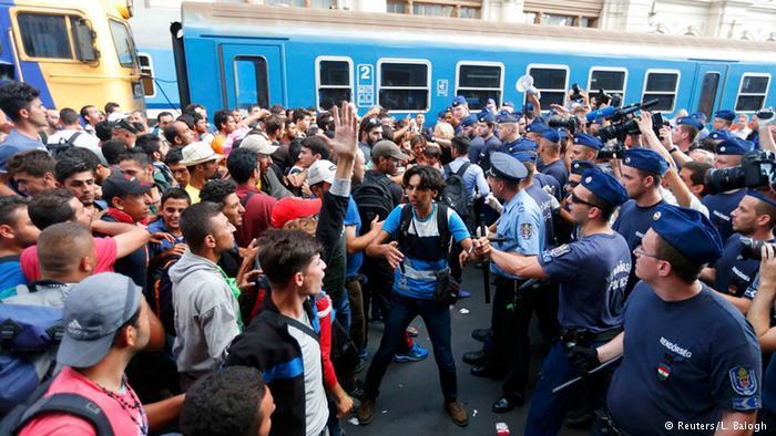 Reabren la estación de Budapest pero impiden la entrada a los refugiados
