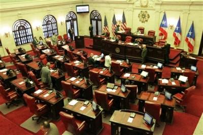 El Senado de Puerto Rico declara el español primera lengua oficial y relega el inglés