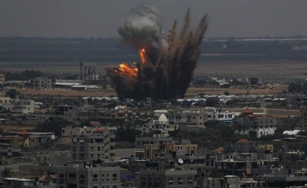 Dos palestinas mueren en bombardeo israelí en Gaza
