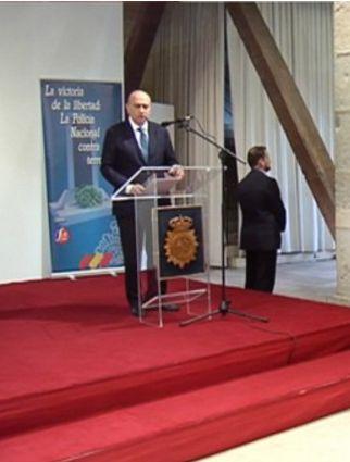 La exposición sobre víctimas del terrorismo se celebra en la Ciudadela de Pamplona