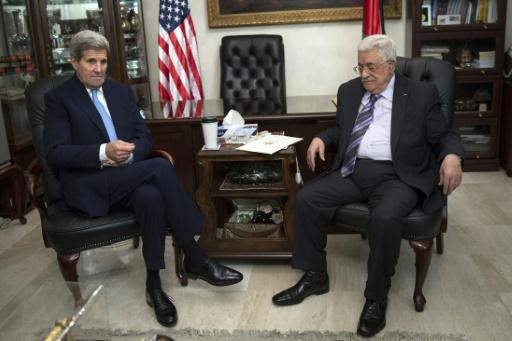 Abás pide a Kerry una fuerza internacional que proteja al pueblo palestino
