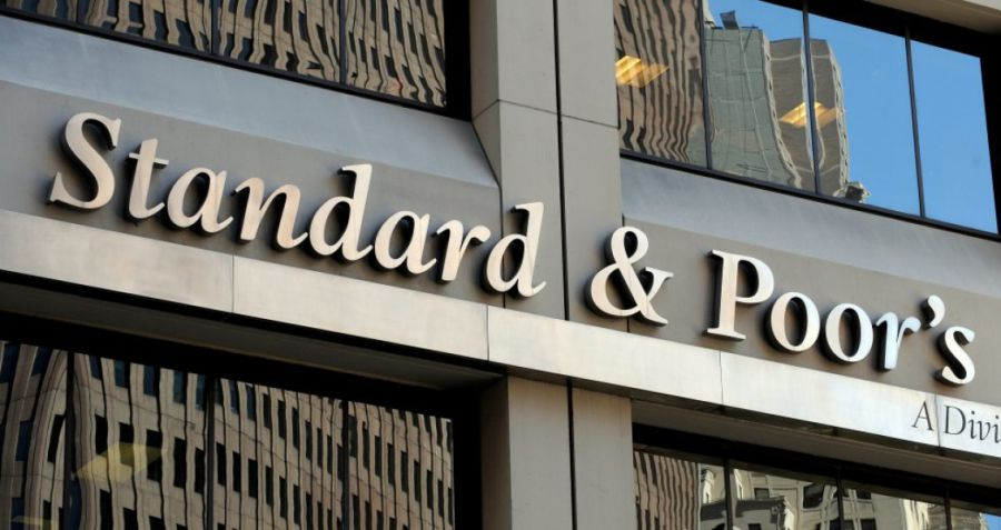 S&P sube la nota de España a notable tras el limitado impacto de Cataluña