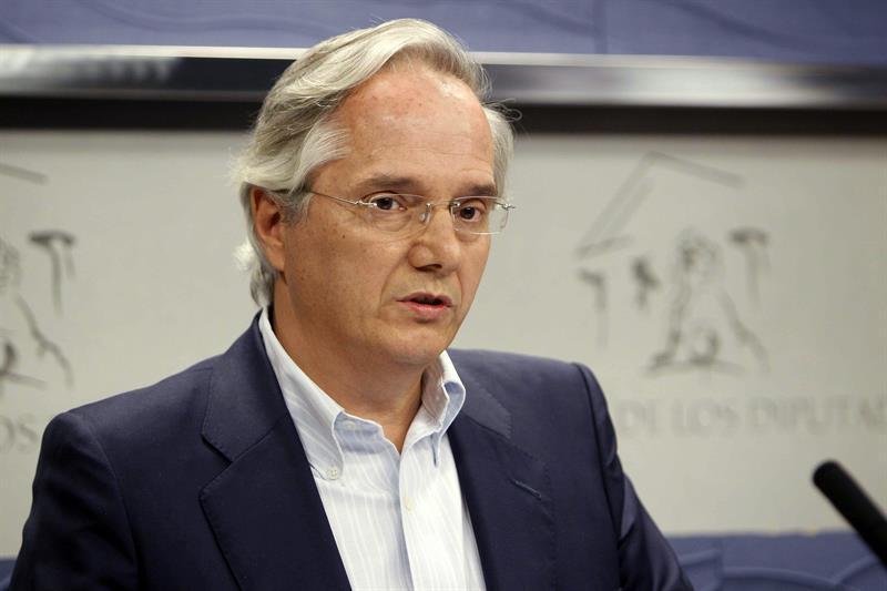 El diputado Pedro Gómez de la Serna se da de baja del PP