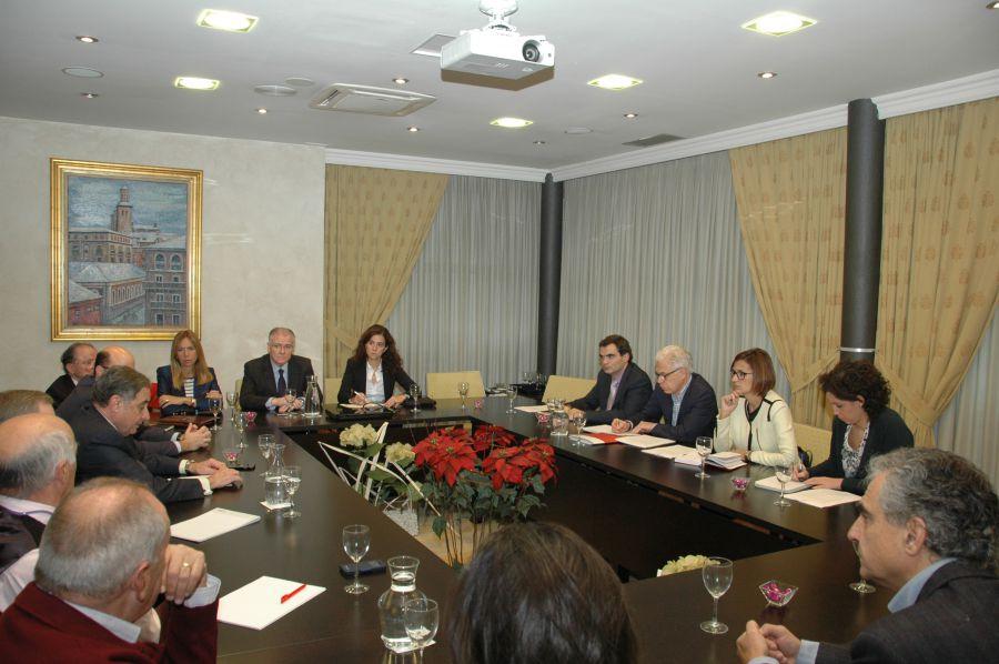 20 D: CEN se reúne con el PSN, en el marco de la campaña electoral