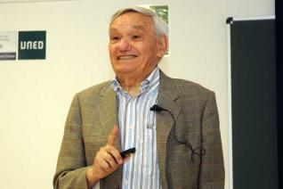 Amable Liñán, Príncipe de Asturias de Investigación, nombrado miembro de la Real Academia de Doctores de España