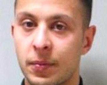 El único terrorista vivo de los atentados de París calla en su juicio en Bélgica