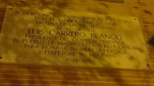 Placa conmemorativa en la calle Claudio Coello de Madrd