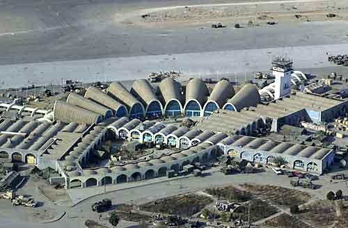 Los talibanes atacan el aeropuerto internacional de Kandahar