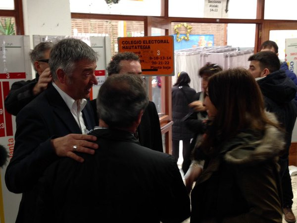 """20 D: Koldo Martínez (Geroa Bai) acude a votar con el deseo de ser en Madrid """"la voz de los navarros"""""""