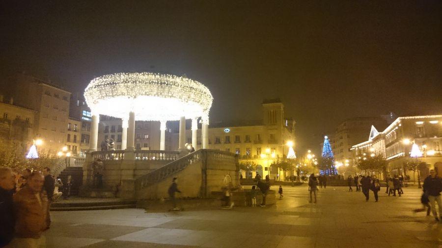 Feria de Navidad en la plaza del Castillo con 24 casetas de venta de productos artesanos