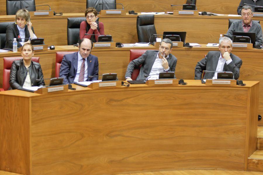 Se insta al Gobierno de Navarra a presentar el informe sobre las opciones para crear una Banca Pública
